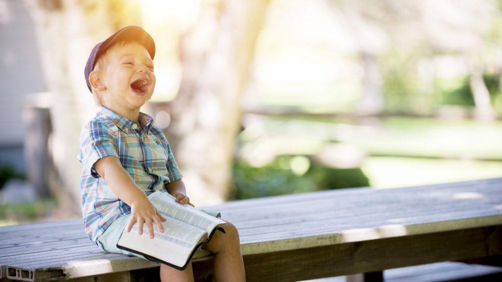 Η ευτυχία δεν διδάσκεται, παρά μόνο βιώνεται.